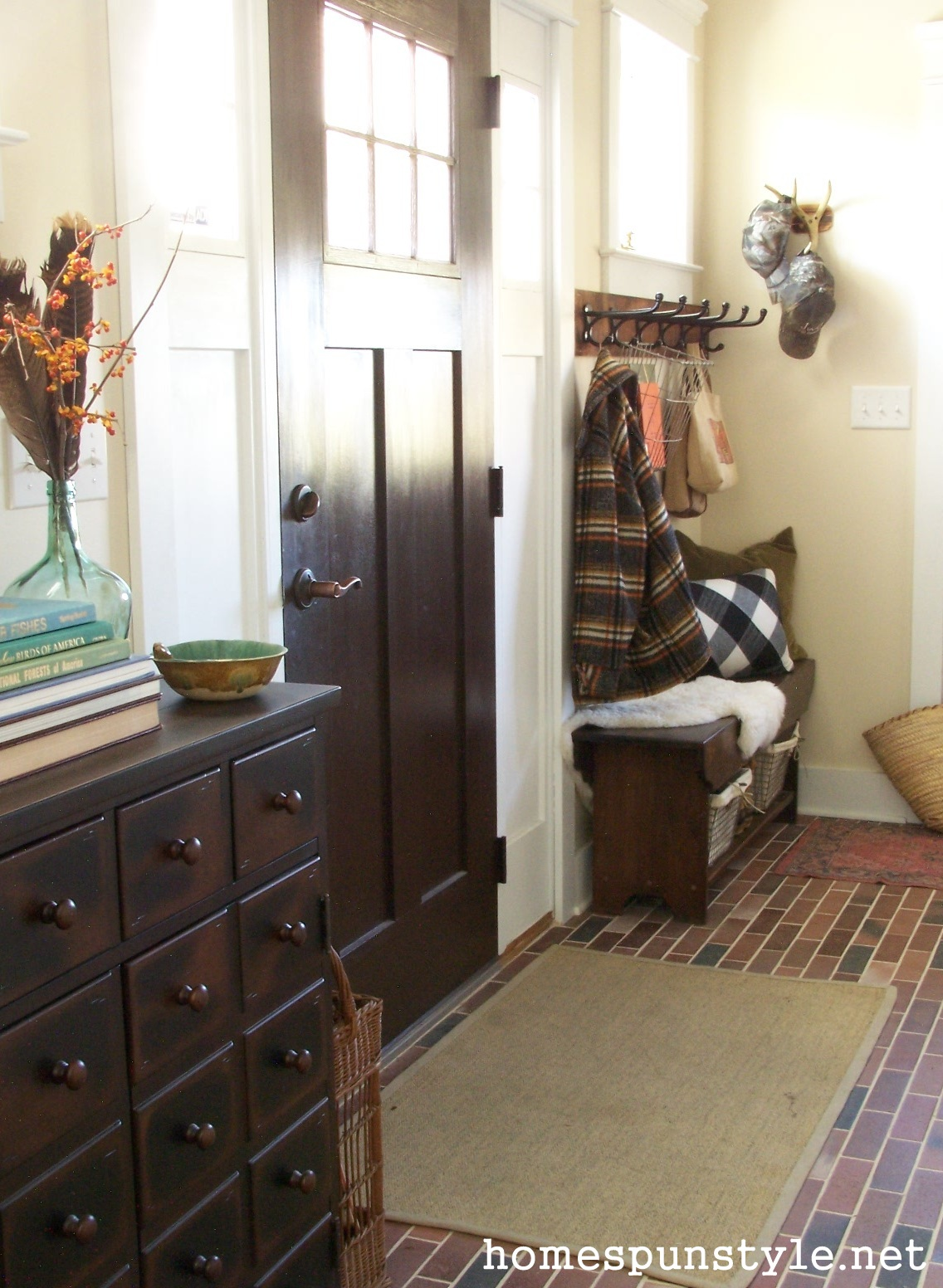Foyer Door Decorating : Fall decorating foyer mudroom home spun style