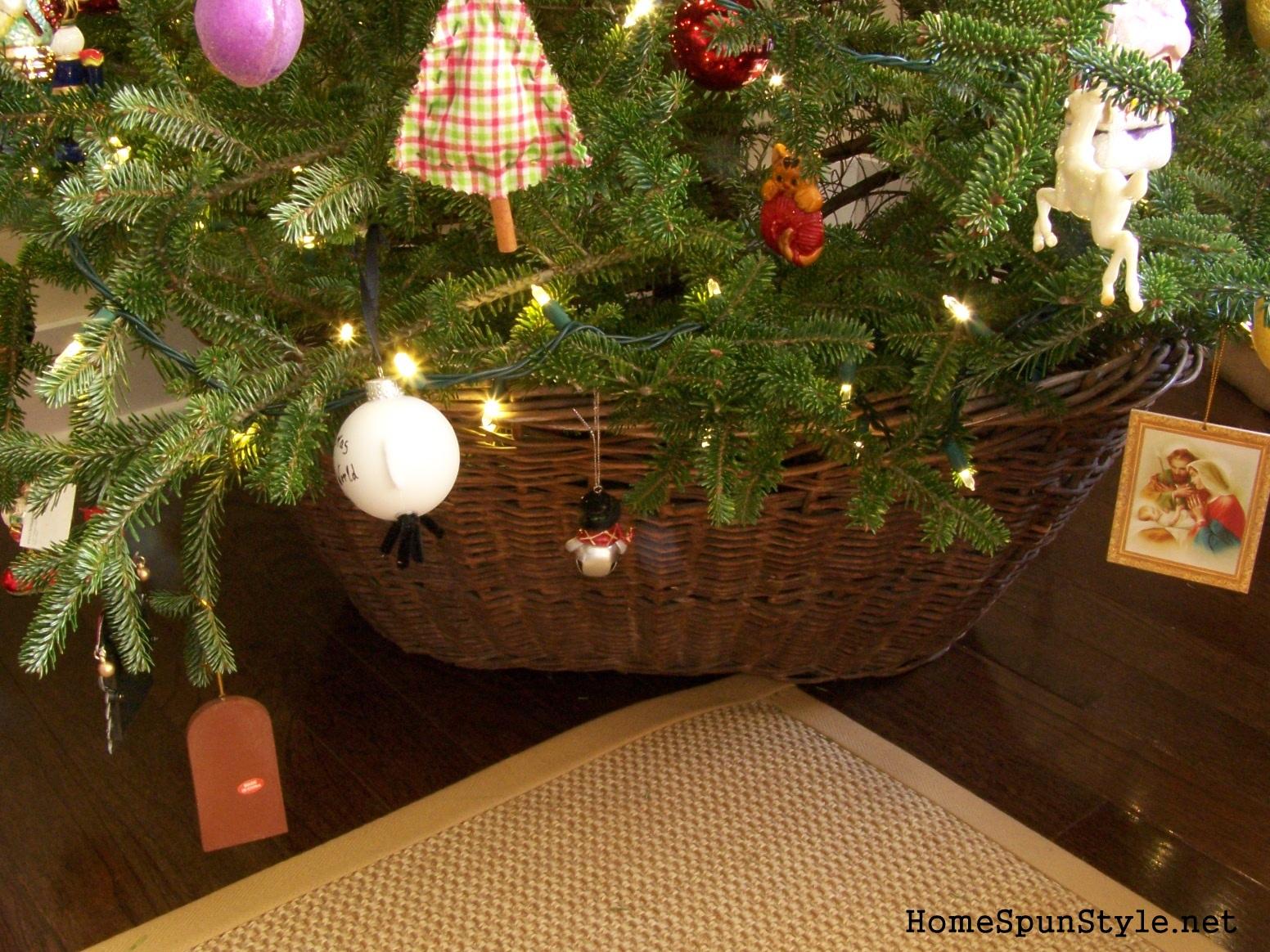 DIY Christmas Tree Collar – Home Spun Style